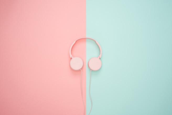 headphones-3435888_1920